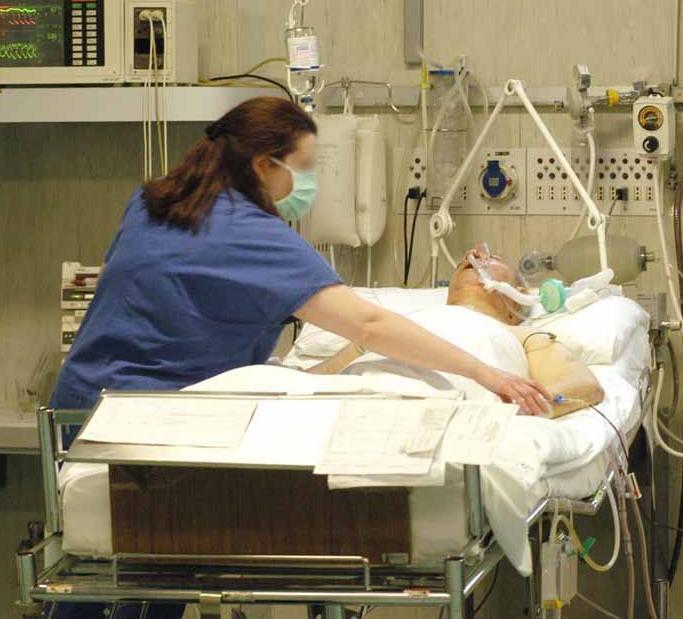 L ospedale a casa per soffrire meno for Raccordo meno costoso per la casa