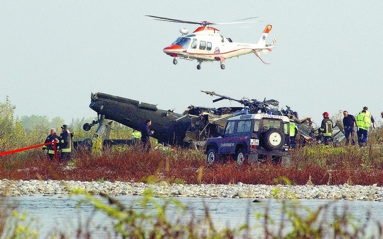 Elicottero Usa : Cade un elicottero della base di aviano morti militari usa