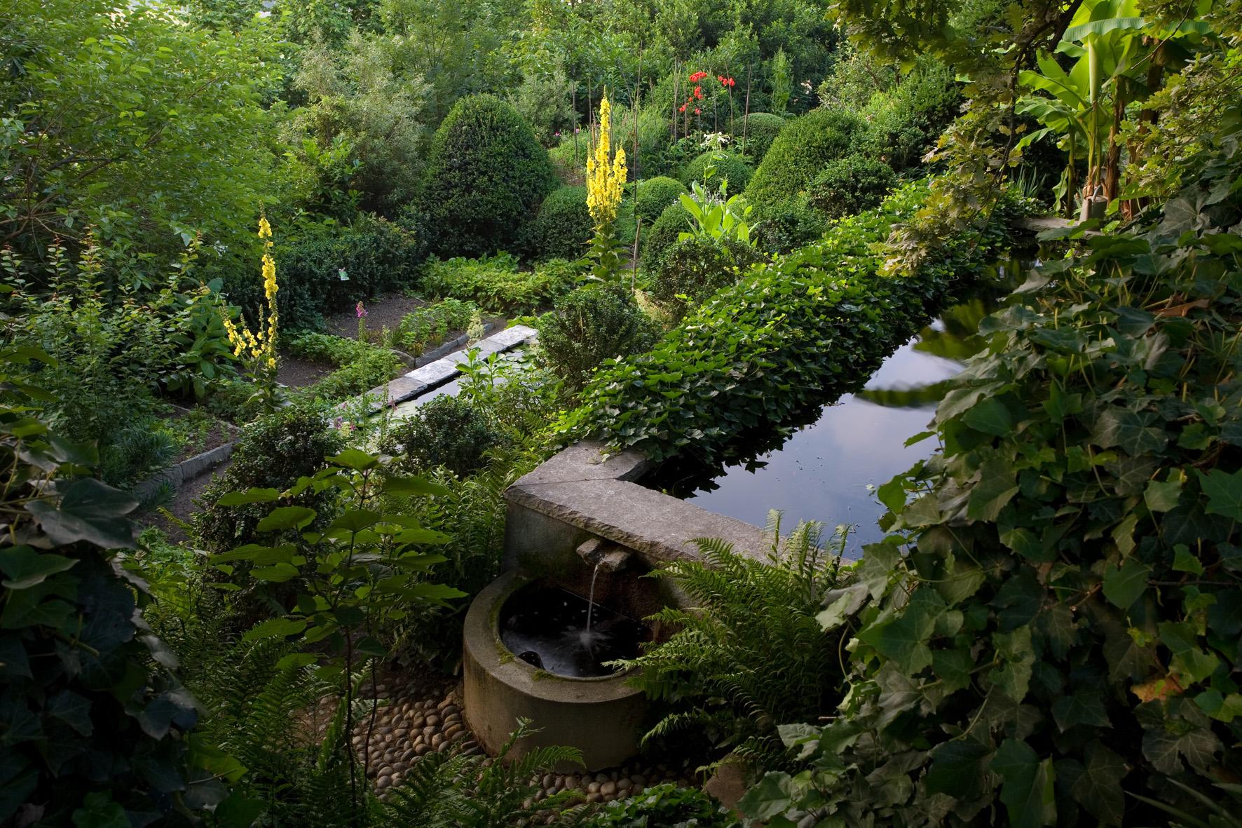 Alla scoperta dei giardini segreti del bel paese - Il giardino dei fiori segreti ...
