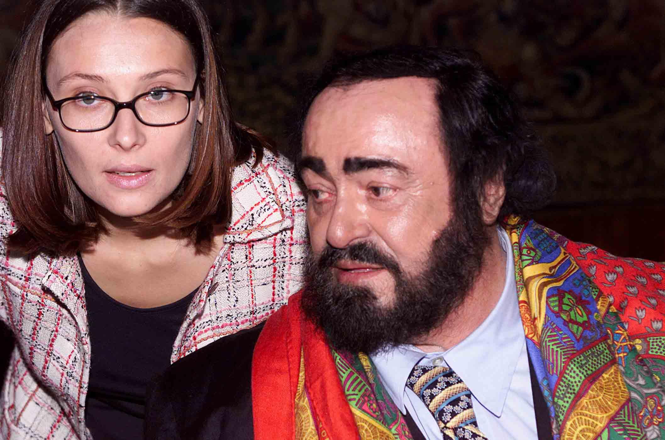 Nicoletta mantovani blocca il libro su pavarotti for Nicoletta mantovani pavarotti