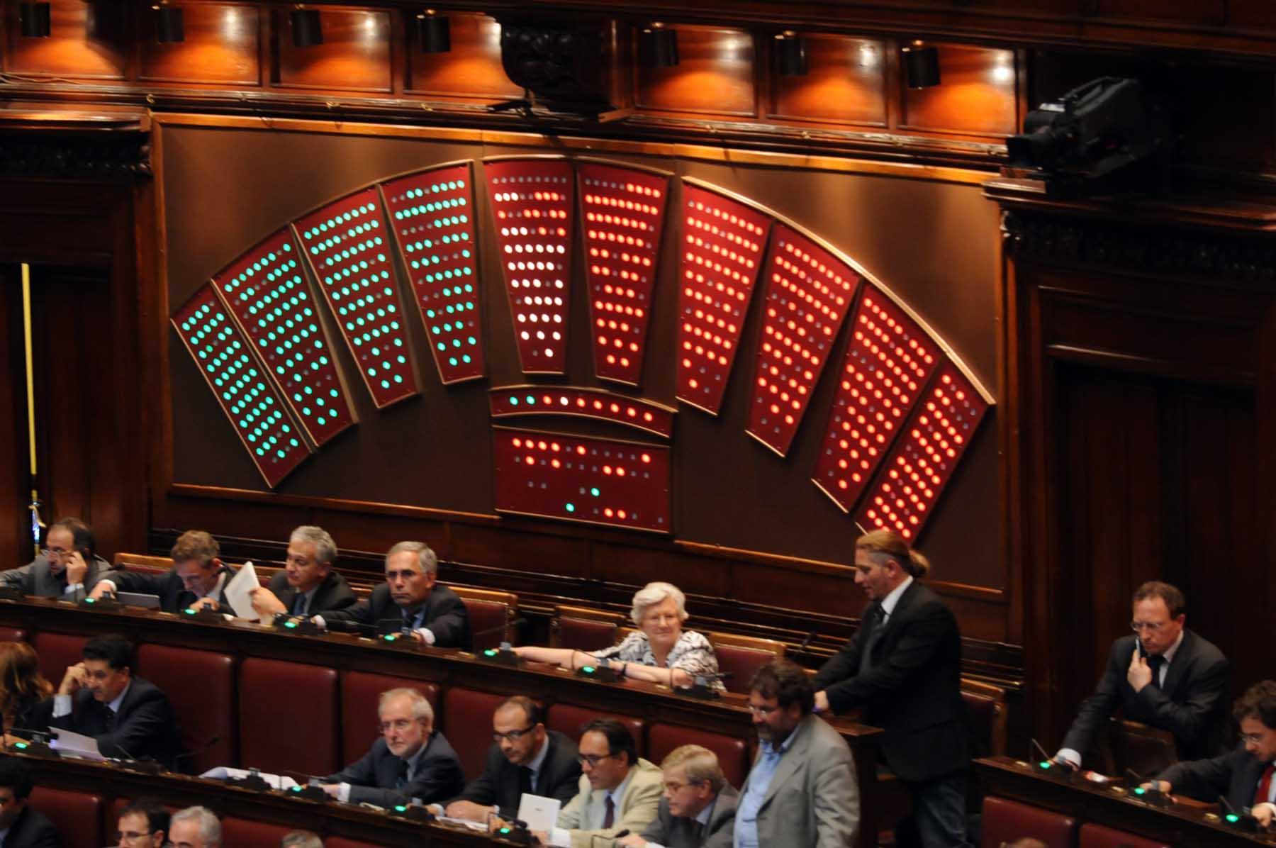 Camera stop ai pianisti arriva il voto digitale for Sistema elettorale camera dei deputati