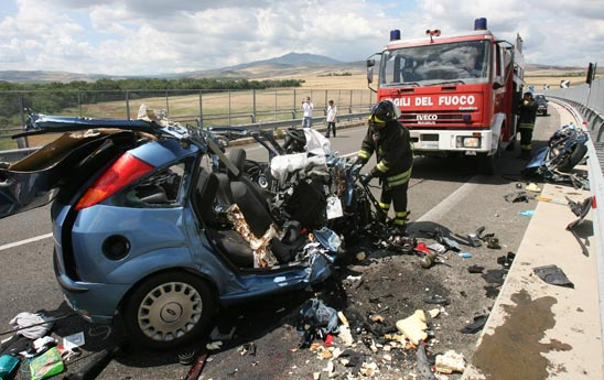 Varese carambola in autostrada tre vittime - Incidente giardini naxos oggi ...