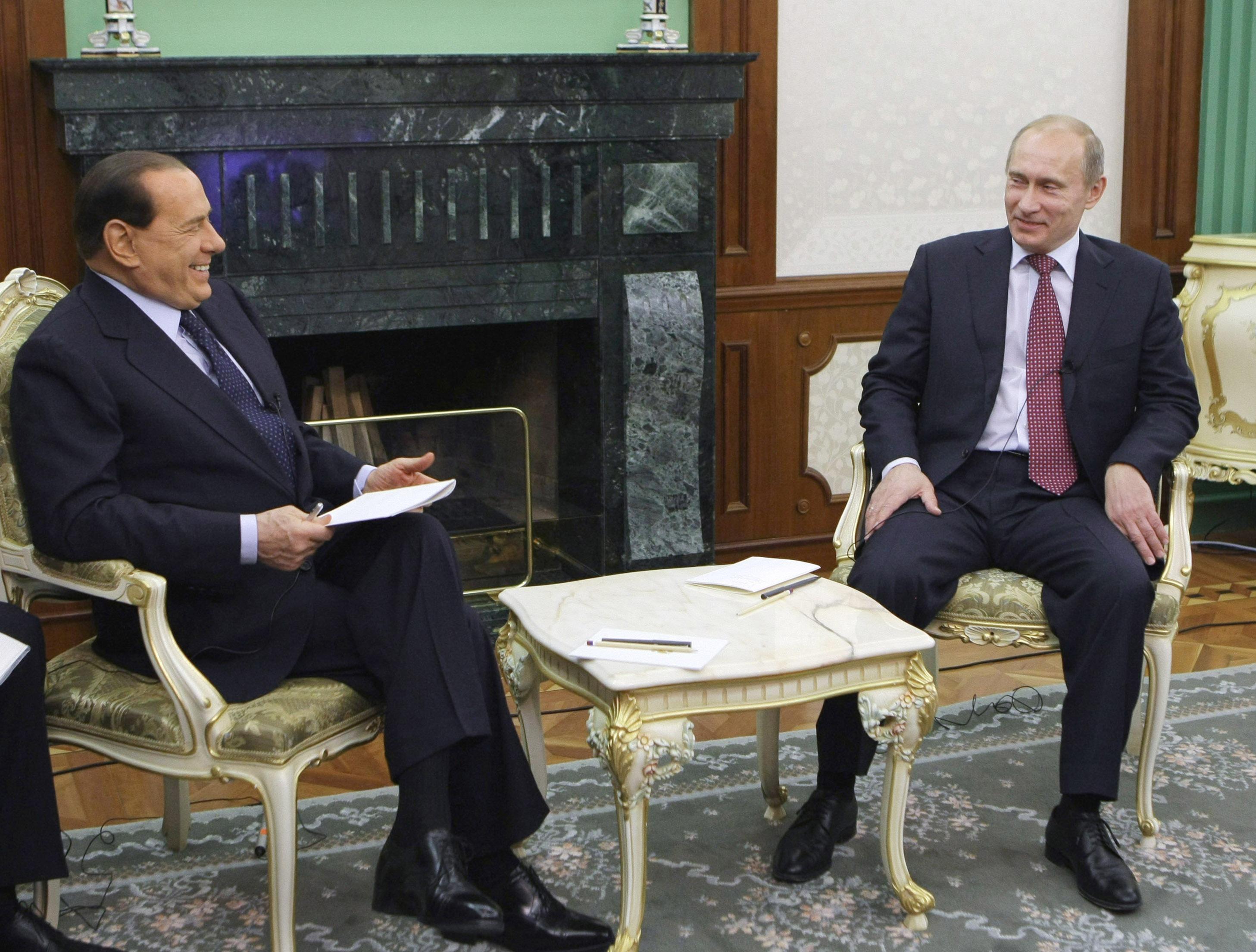Berlusconi putin asse su energia e gas for Salone del mobile wikipedia