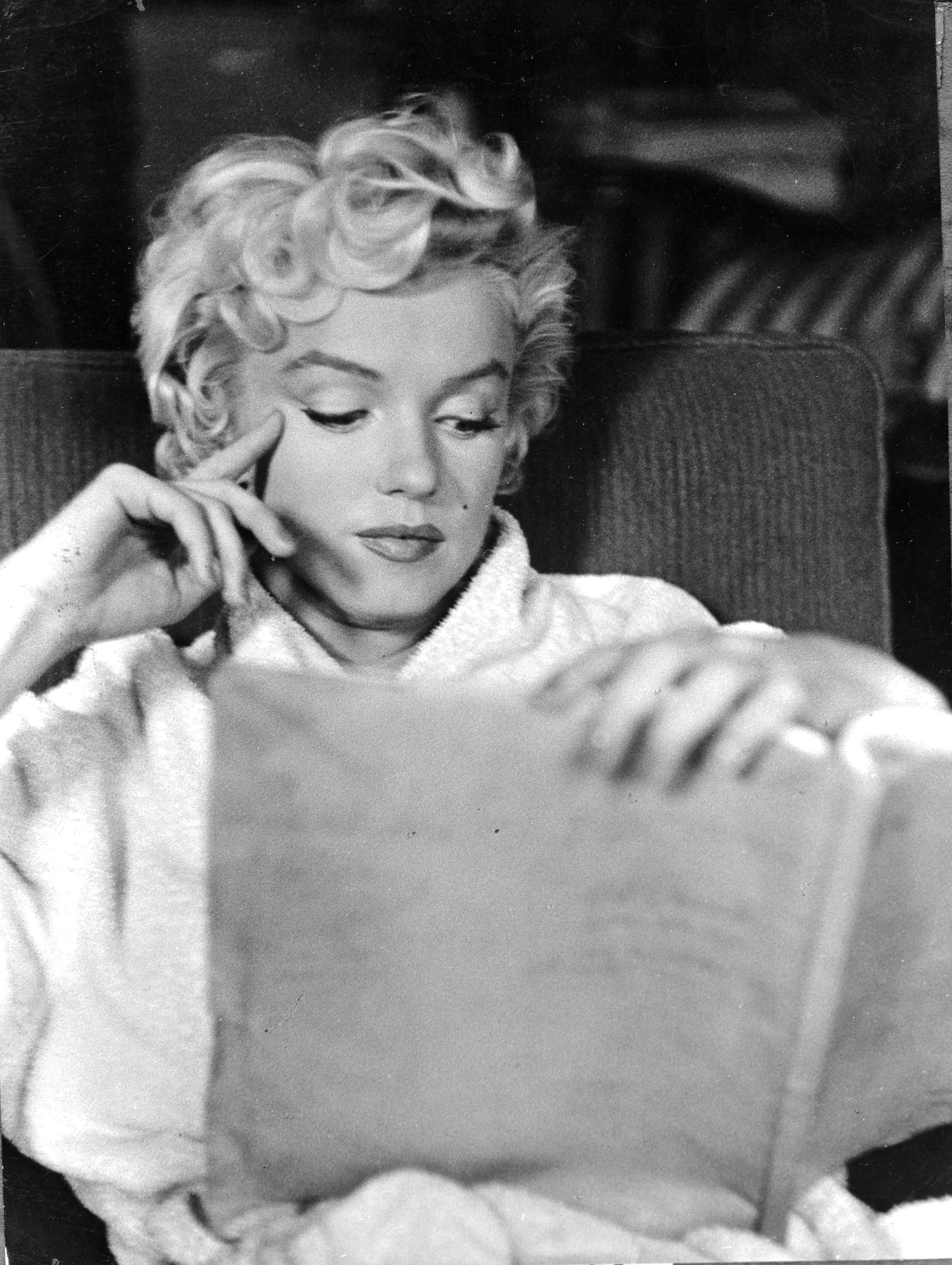 A letto con marilyn ma solo per leggere - Sostegno per leggere a letto ...