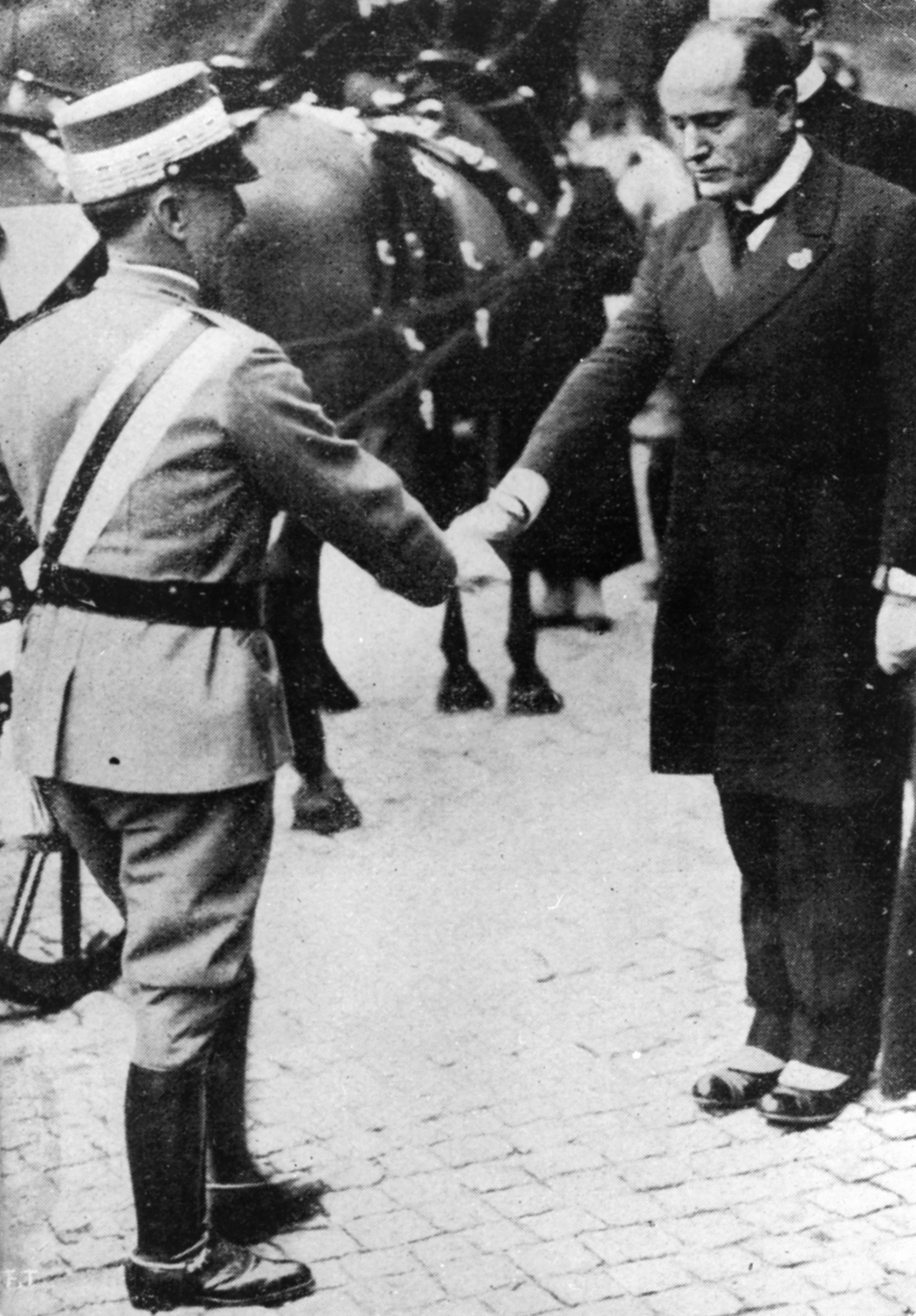 """Mussolini e il Re: vent'anni di """"cordiale"""" odio reciproco"""