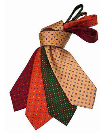 molti alla moda selezione migliore corrispondenza di colore Gli 82 nodi per indossare una cravatta - IlGiornale.it