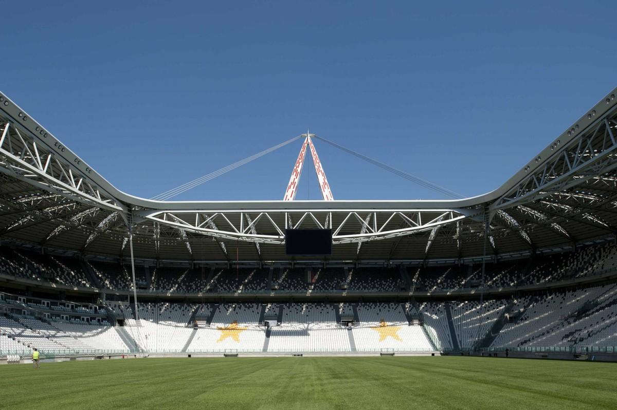 Lo stadio come un teatro per fare soldi stasera apre la for Nuova casa coloniale in inghilterra