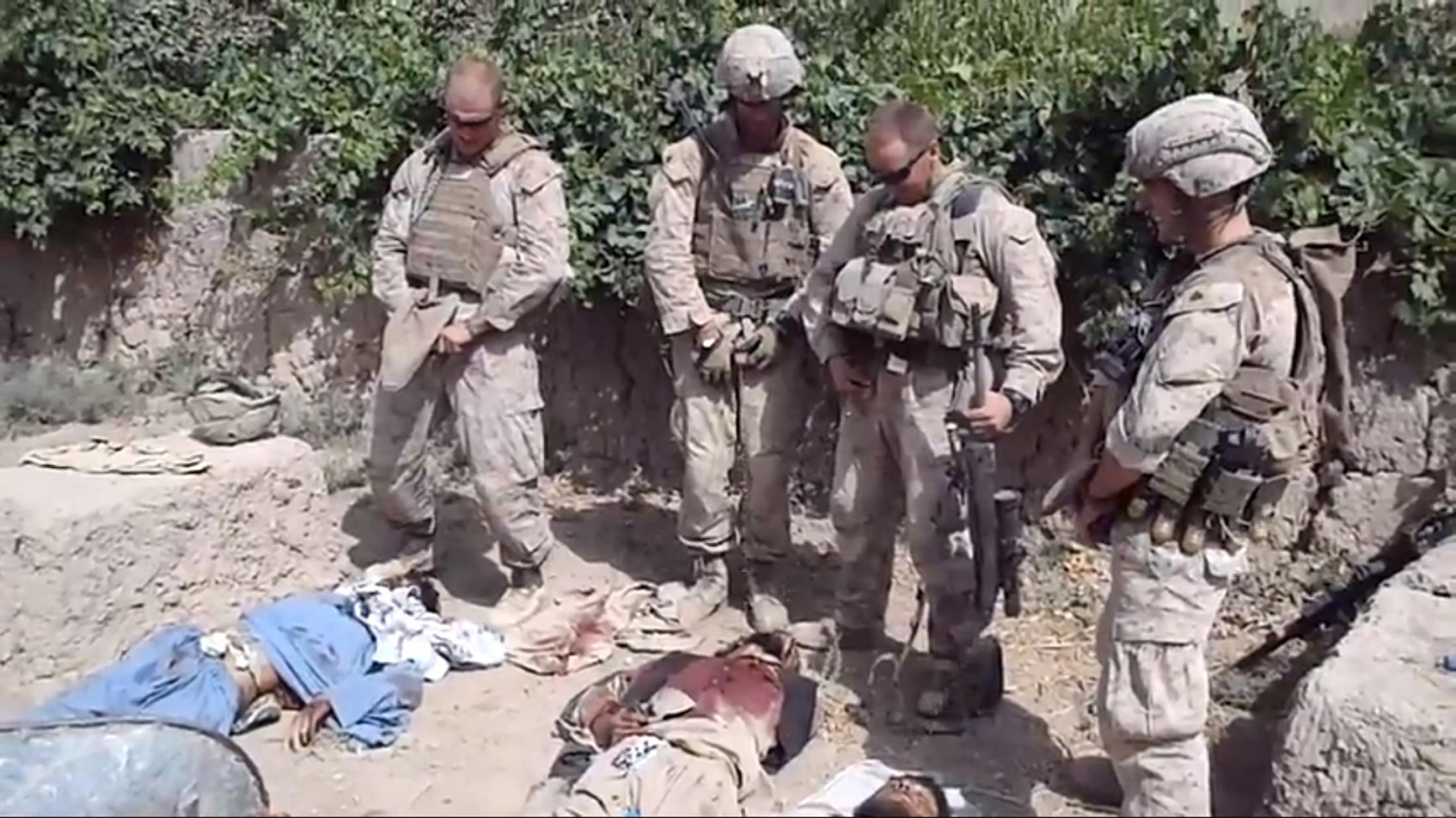 Солдаты моются онлайн 8 фотография