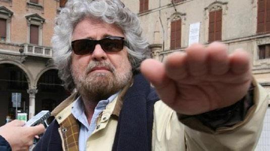 Beppe grillo fa l 39 offesoal financial times non sono for Tutti i politici italiani