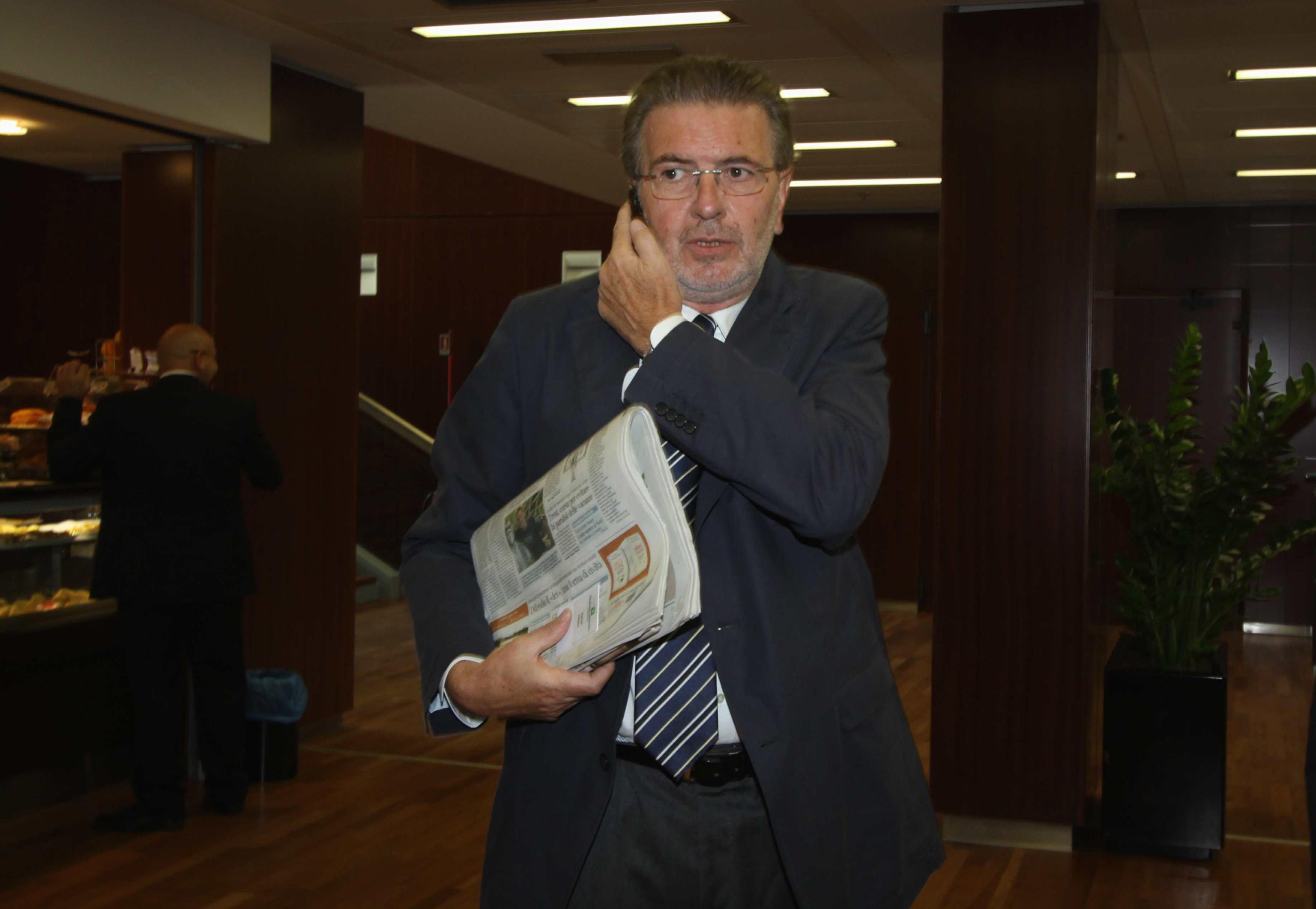 """Il Governo Aiuta Il Pd Norma """"salva Penati"""""""
