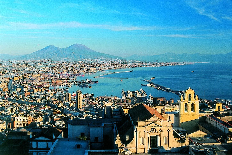 I Turisti Rivalutano Napoli La Quinta Citt U00e0 Europea Nella