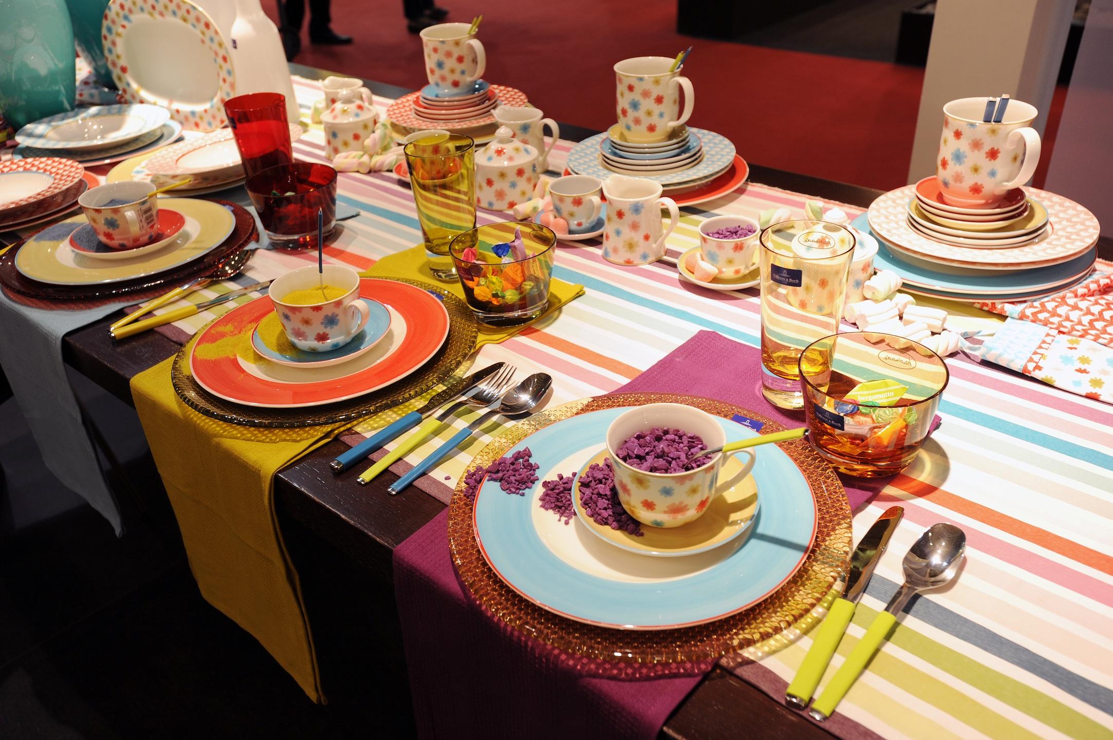 Il piacere della tavola a milano un miliardo e mezzo all 39 anno - Tavole apparecchiate moderne ...