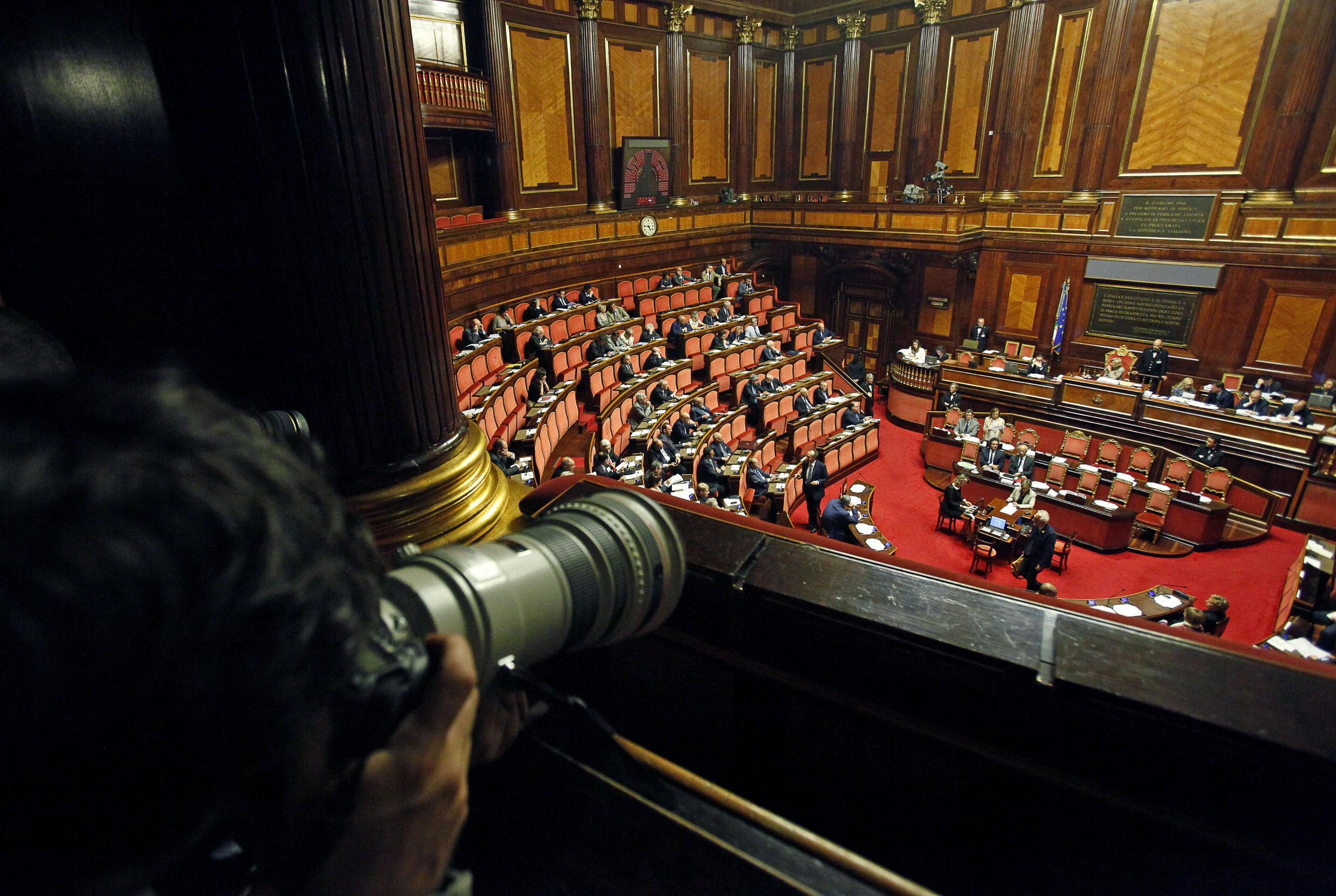 I parlamentari italiani sono i pi pagati d 39 europa for I parlamentari italiani
