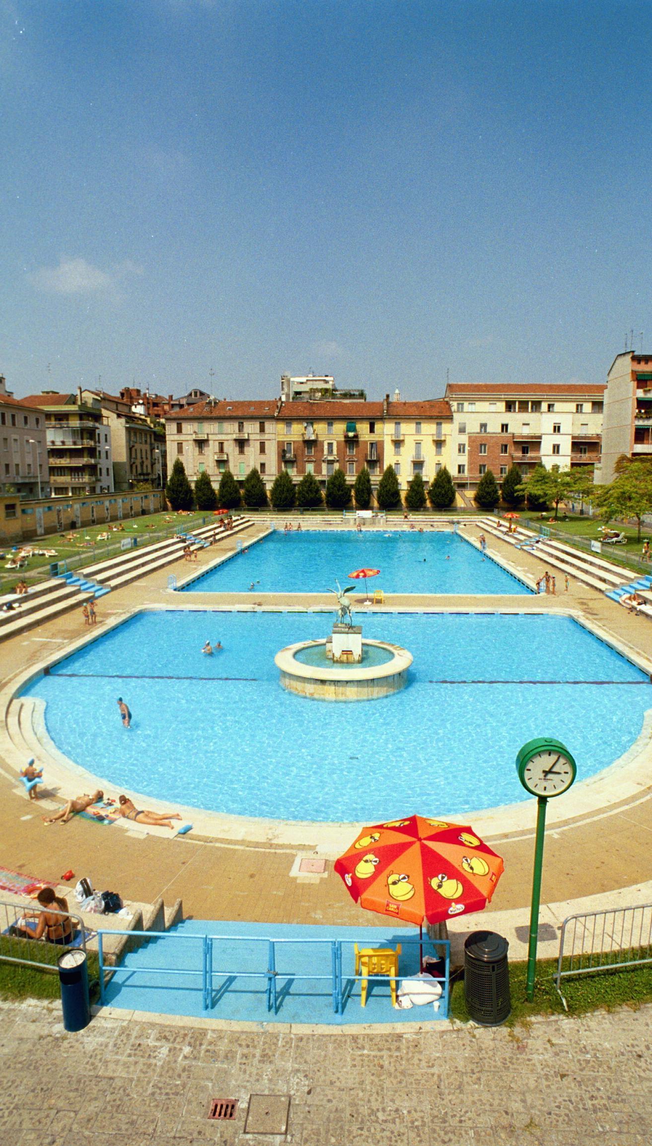 La piscina teatro ruba un impianto al nuoto - Piscina al coperto milano ...