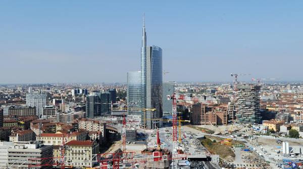 Grattacieli milano guarda in alto for I nuovi grattacieli di milano