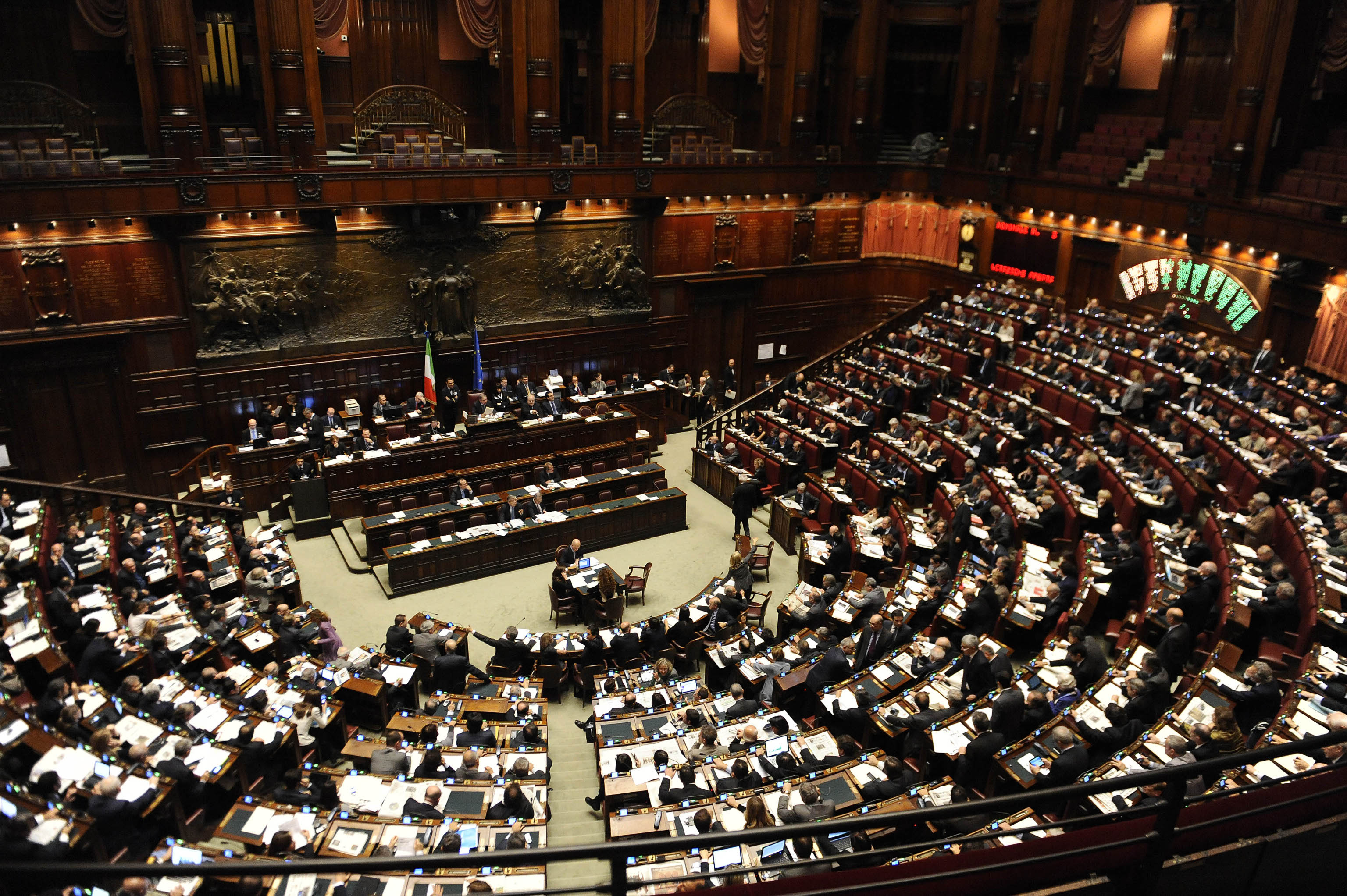Mauro e cancellieri aprono all 39 amnistia ma il pd sbarra for Deputati del pd