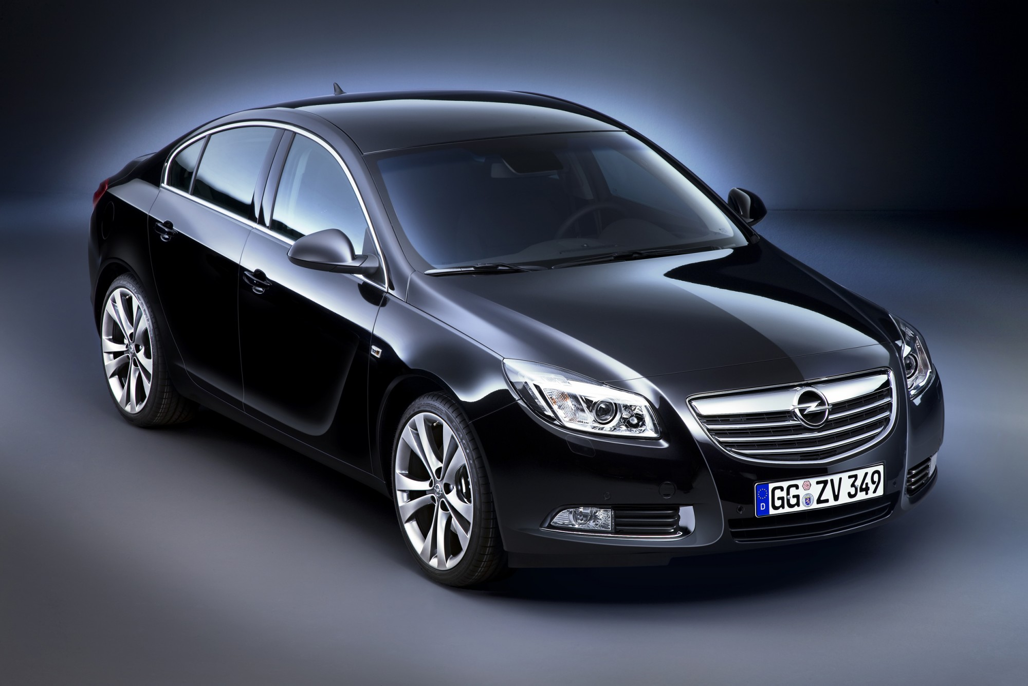 nuova opel insignia. Black Bedroom Furniture Sets. Home Design Ideas