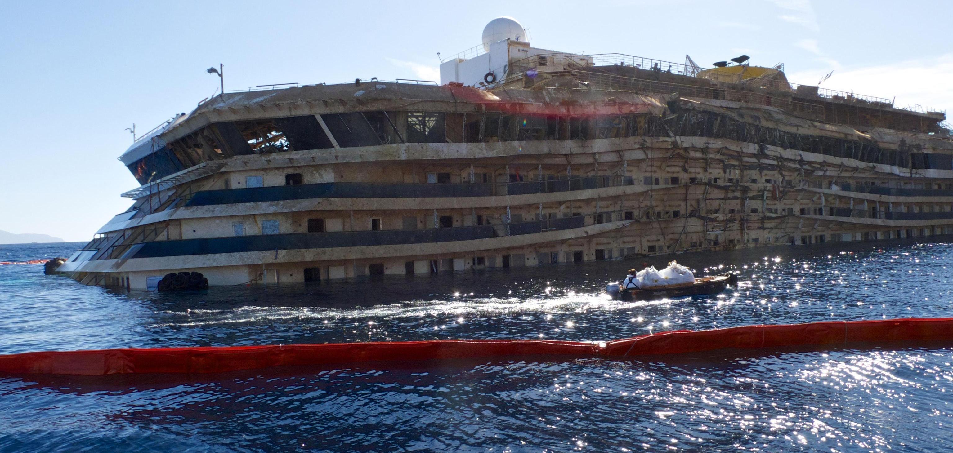 Processo concordia in aula la ricostruzione del naufragio for Cabine di giglio selvatico
