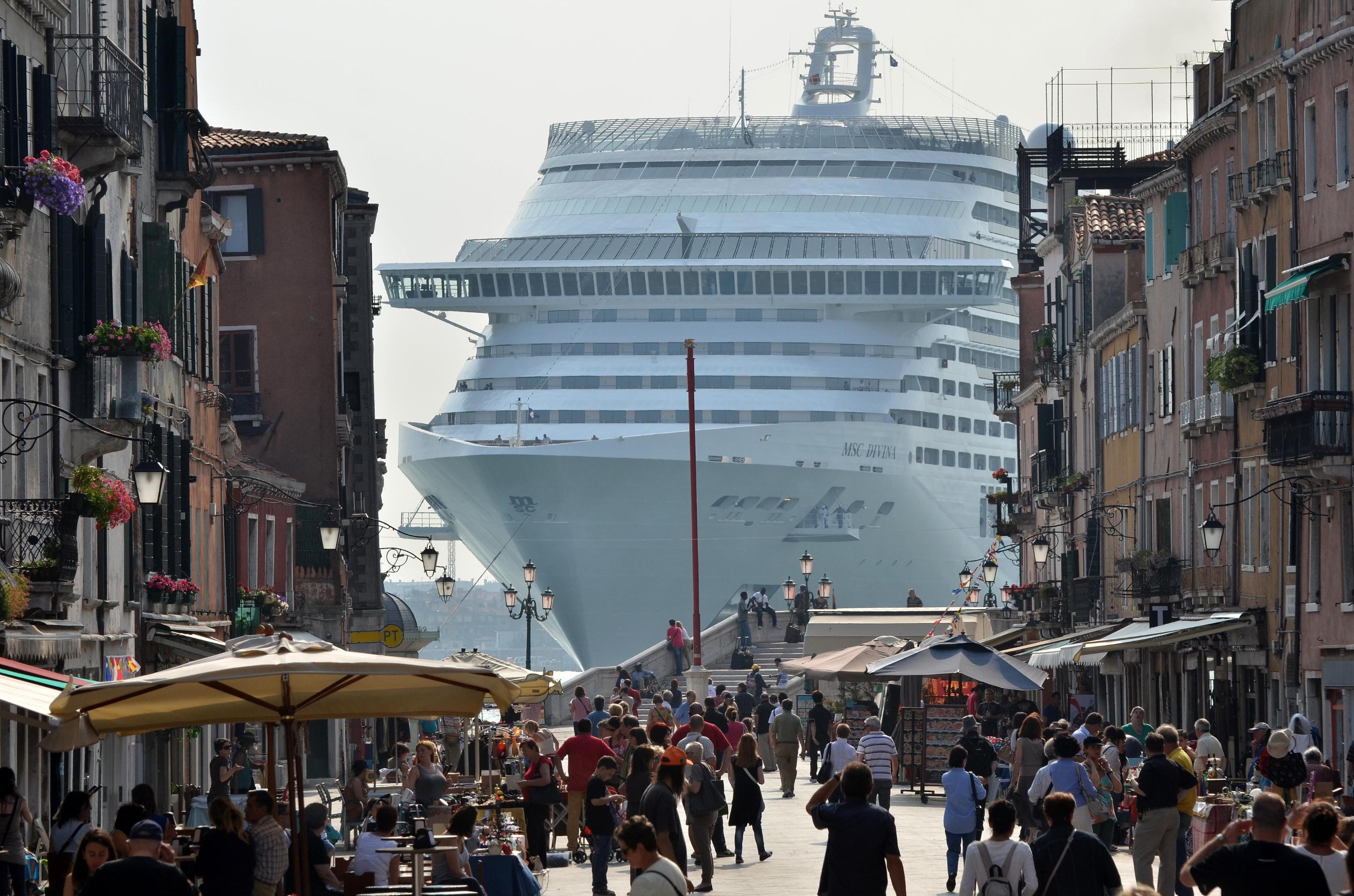 Arriva la tassa su gondole e traghetti: la Ue la chiede e il Pd esegue