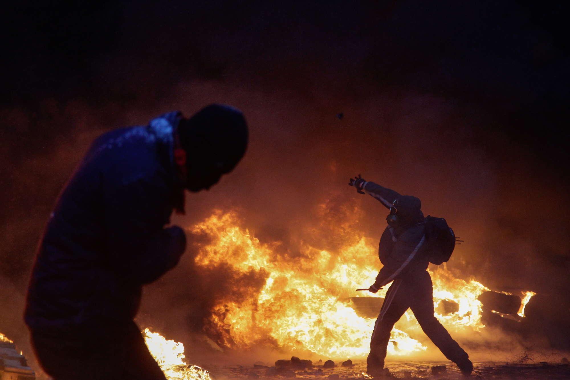 Guerriglia a kiev 5 morti nasce il parlamento ombra dell for Parlamento ieri