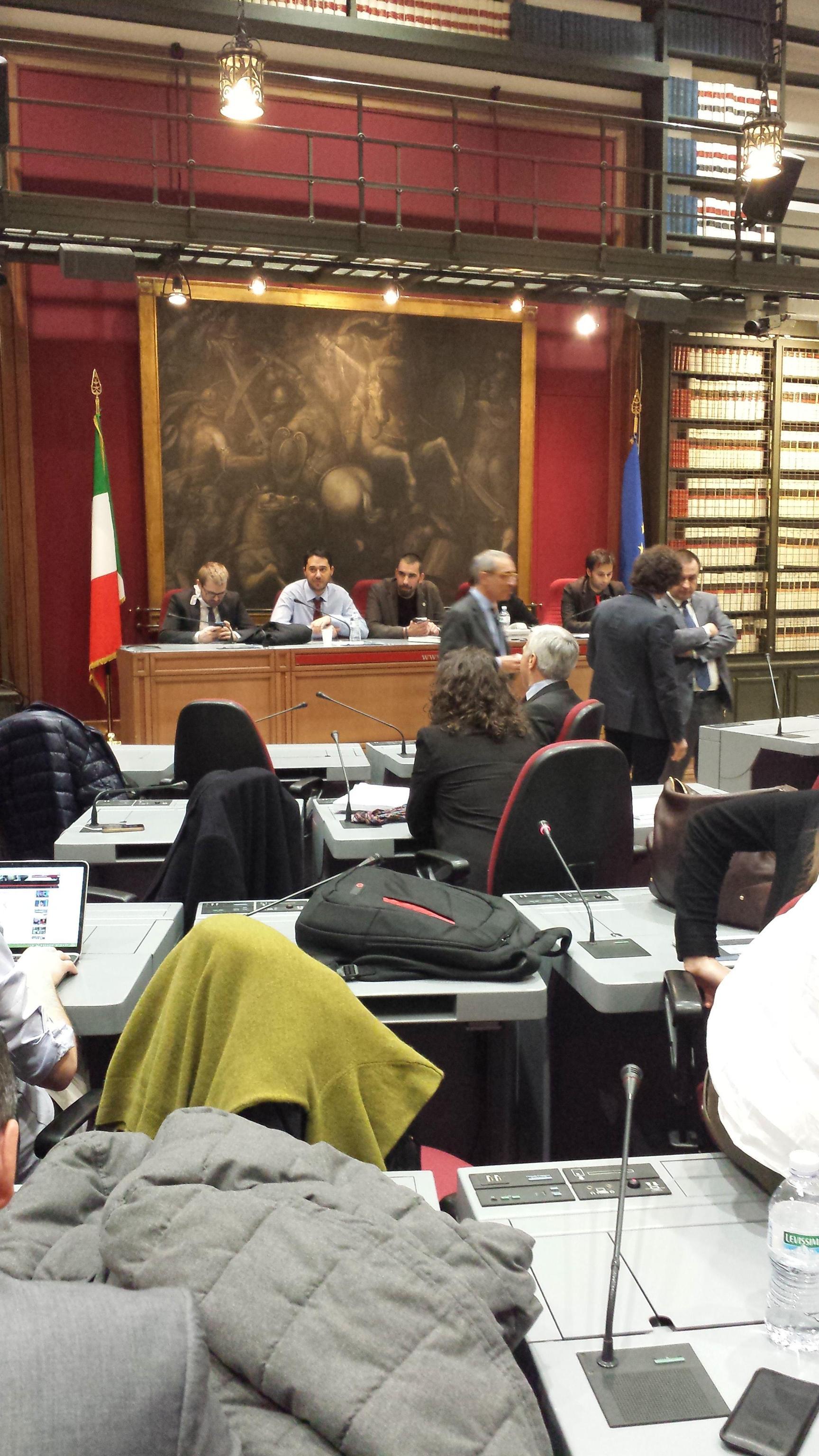 Italicum ok dalla commissione testo alla camera senza for Votazioni alla camera