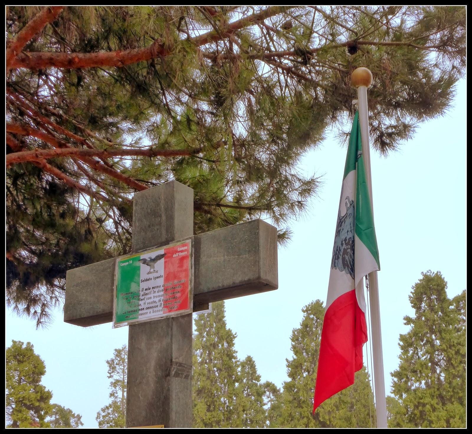 Milano il comune fa rimuovere la bandiera di sal dal for Bandiera di guerra italiana