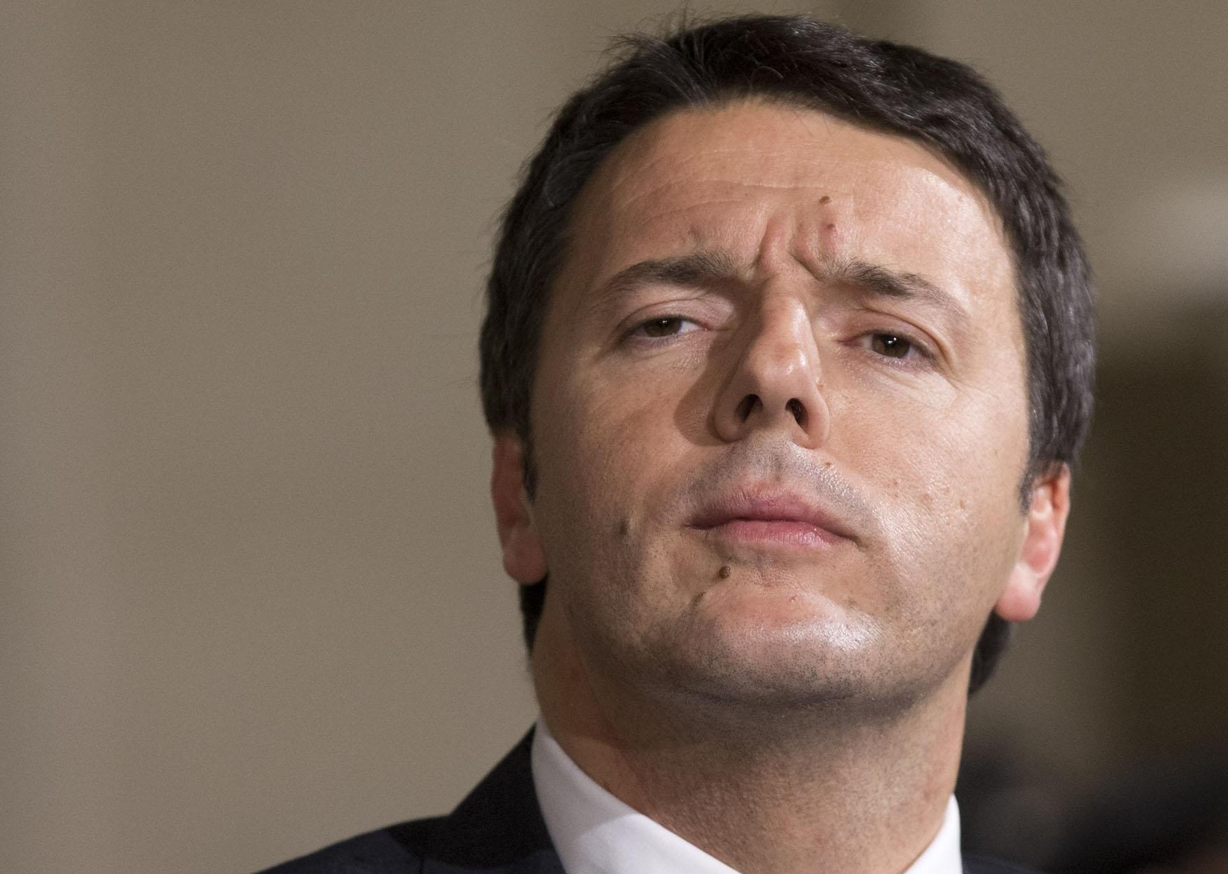 Democrazia Oggi - Renzi continua il suo attacco alla Carta. Prepariamoci ad altre dure battaglie