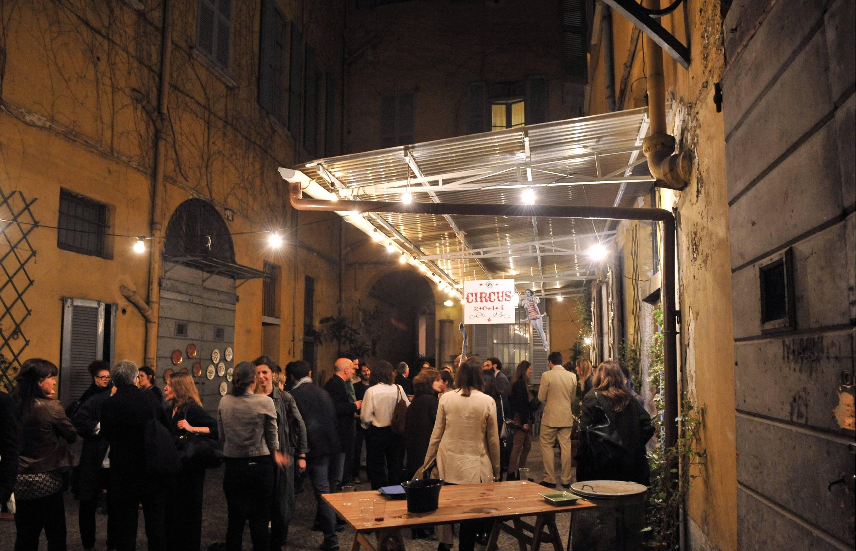 Il fuori salone invade milano e i commercianti ringraziano for Il salone milano
