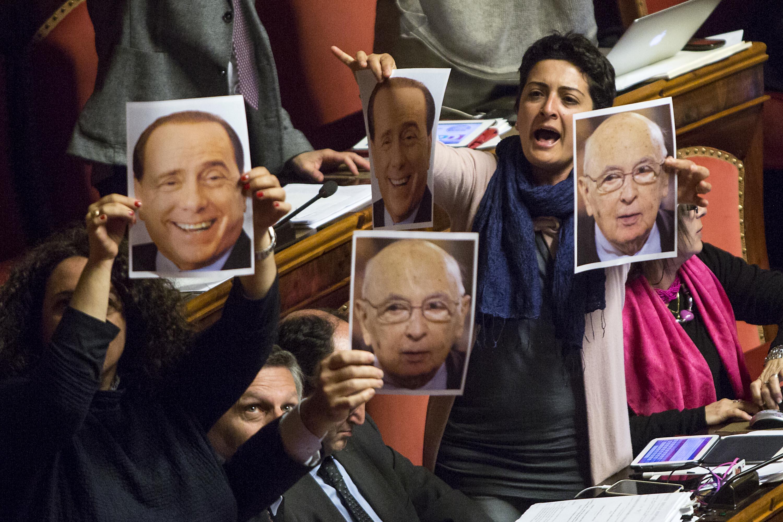 Voto di scambio ok in senato tra le proteste dei grillini for Calendario lavori senato approvazione