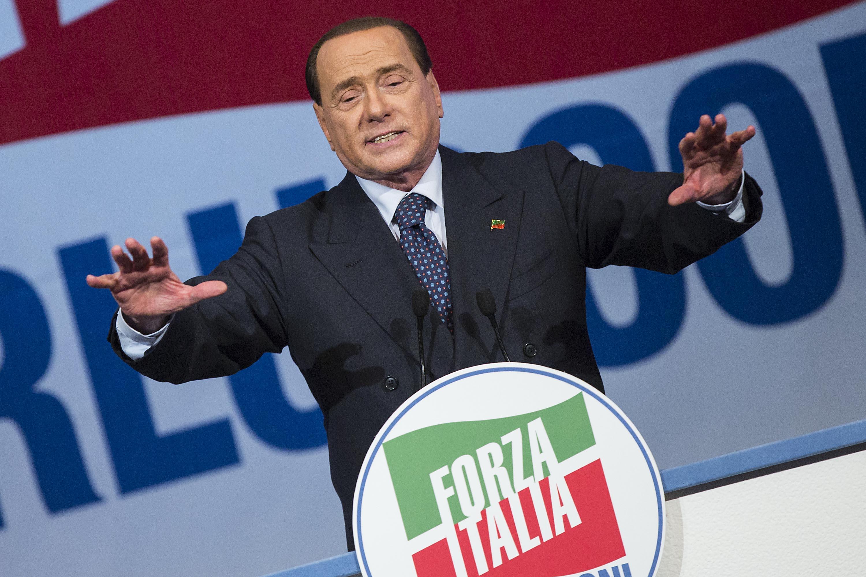 Berlusconi il leader di forza italia resto io for Deputati di forza italia