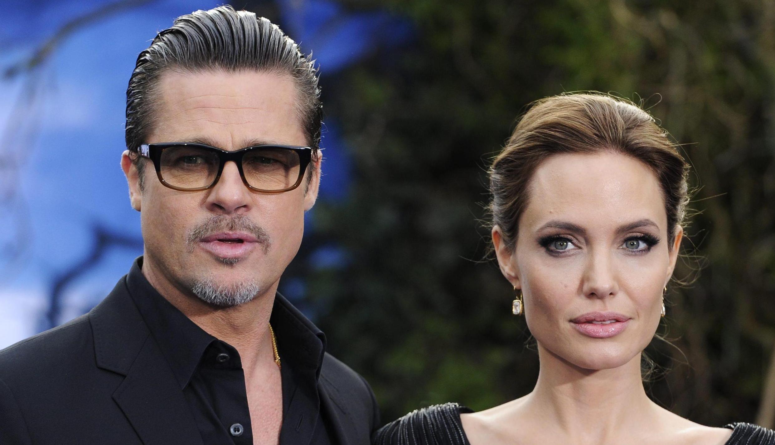 """Tmz: """"Angelina Jolie ha chiesto il divorzio perché Brad Pitt picchia i figli"""""""