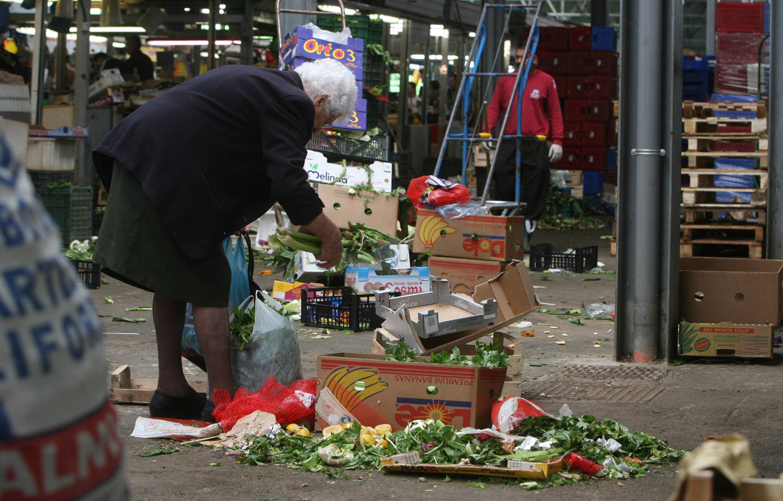 Image result for Chi sono veramente i poveri in Italia?