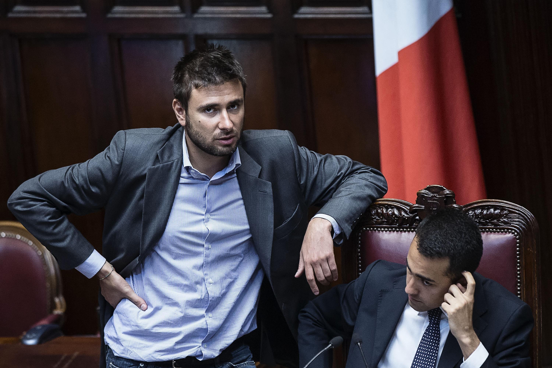 Reati Fiscali Caos Sulla Norma Di Battista Tuona Contro Renzi