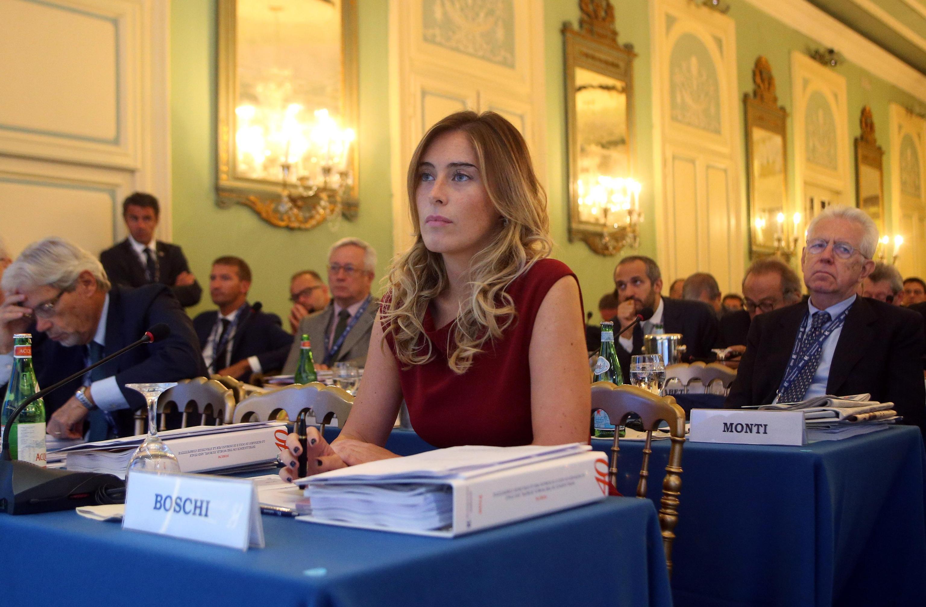 """Parla L Ex Del Ministro Boschi """"La Mia Storia Con Maria Elena"""""""