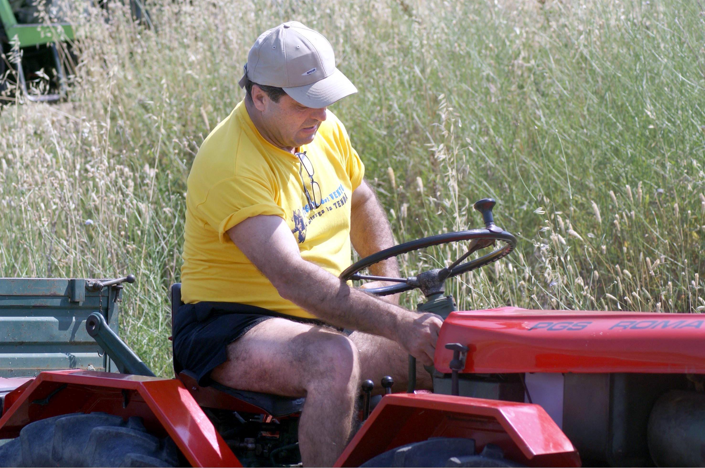 """Antonio Di Pietro: """"Mi sono messo a coltivare la terra. Devo pur campare"""""""