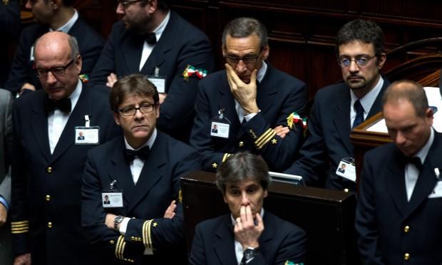 Via libera ai tagli sugli stipendi per il personale della for Membri camera dei deputati