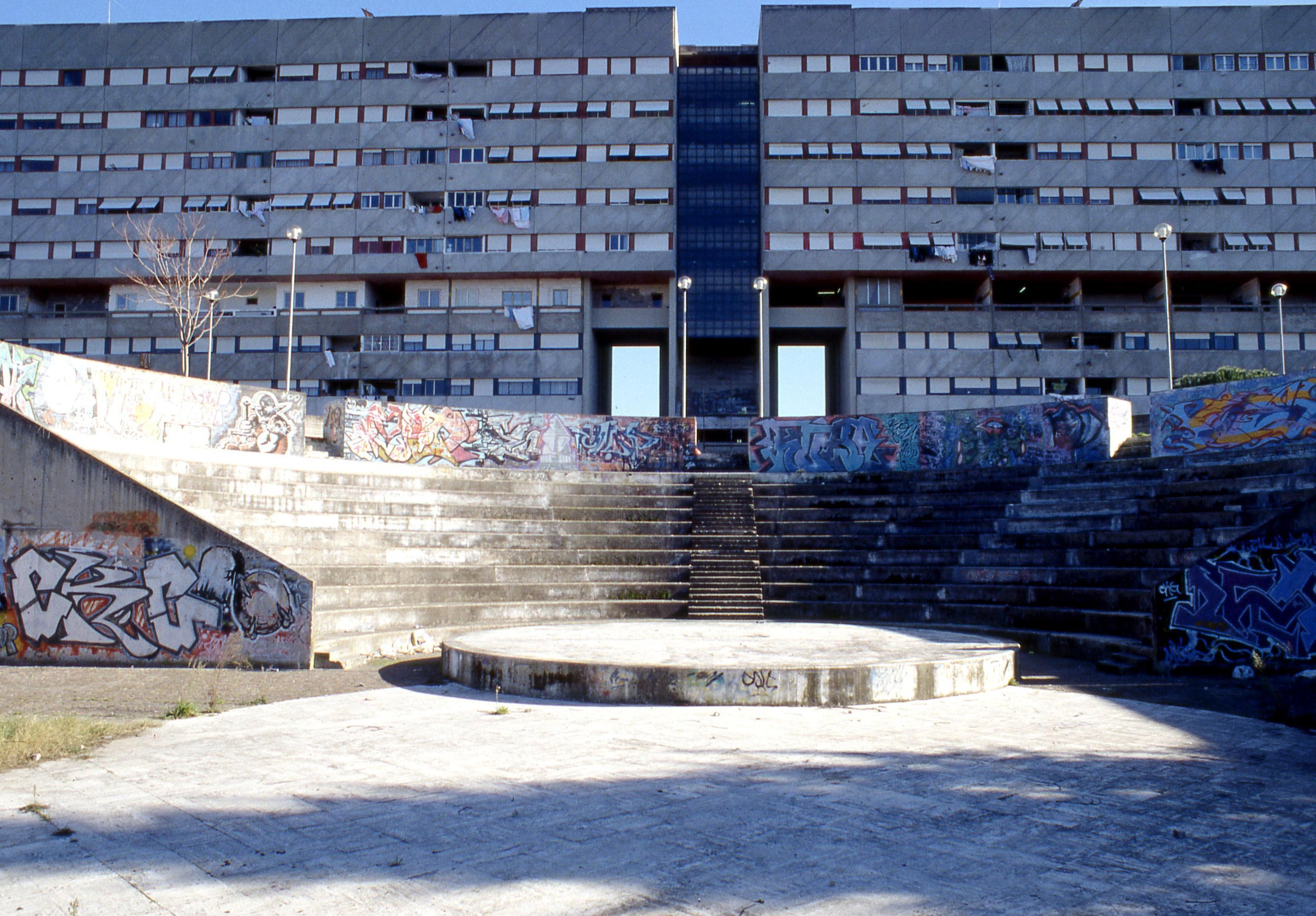 La falsa utopia del cemento quelle periferie sinistre for Il territorio dell architettura vittorio gregotti