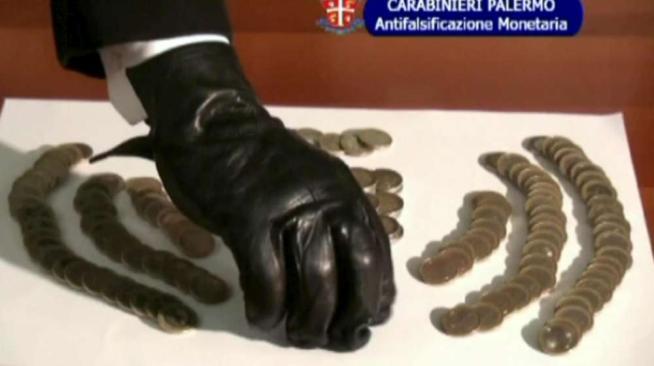 Palermo, sequestrate false monete per un valore di mezzo milione$