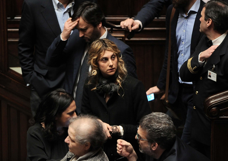 Su Massacrano Madia E Marianna TwitterI Followers La Gaffe 4L5AjR