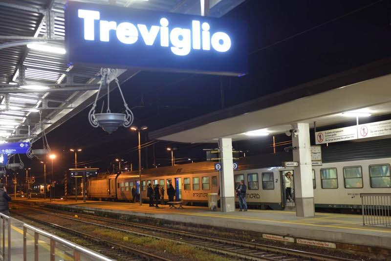 Bergamo capotreno aggredito ferito anche un passeggero - Treno milano porta garibaldi bergamo ...