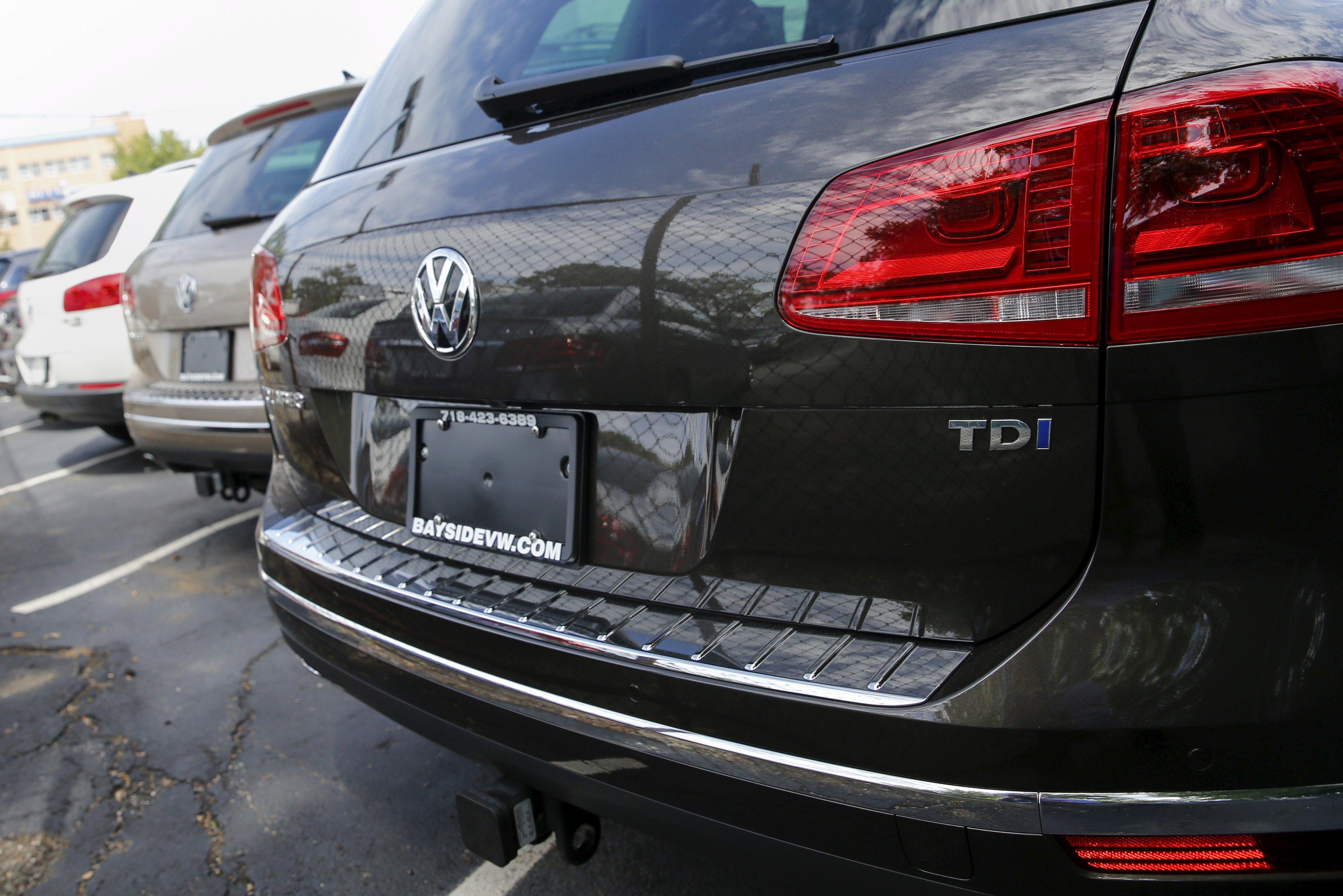 Volkswagen si schianta in borsa