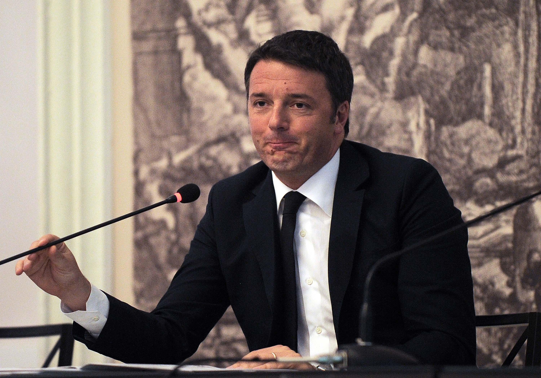 """Lavoro, Renzi canta vittoria. Brunetta: """"Usi la calcolatrice"""""""