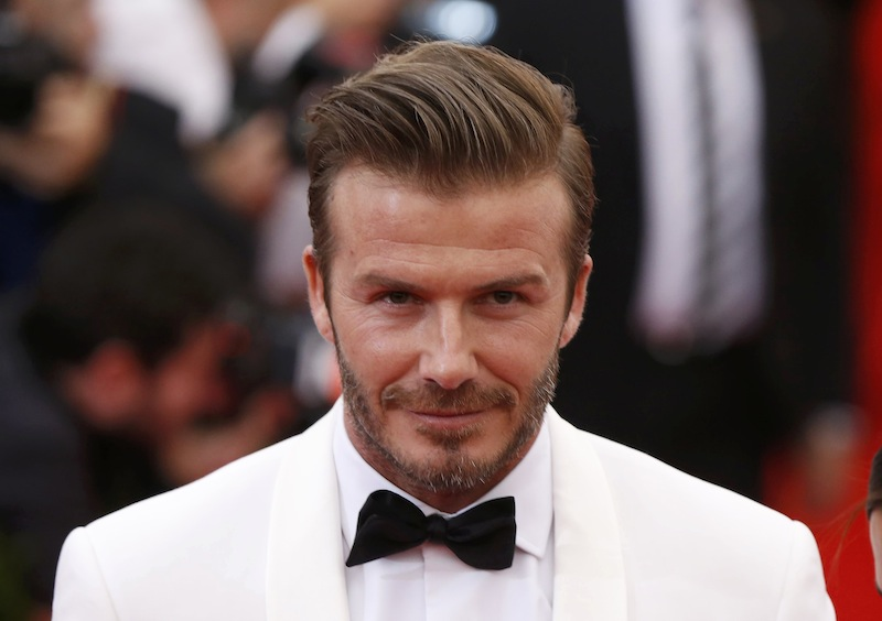 David Beckham accetta la sfida: 22 flessioni sul pianoforte