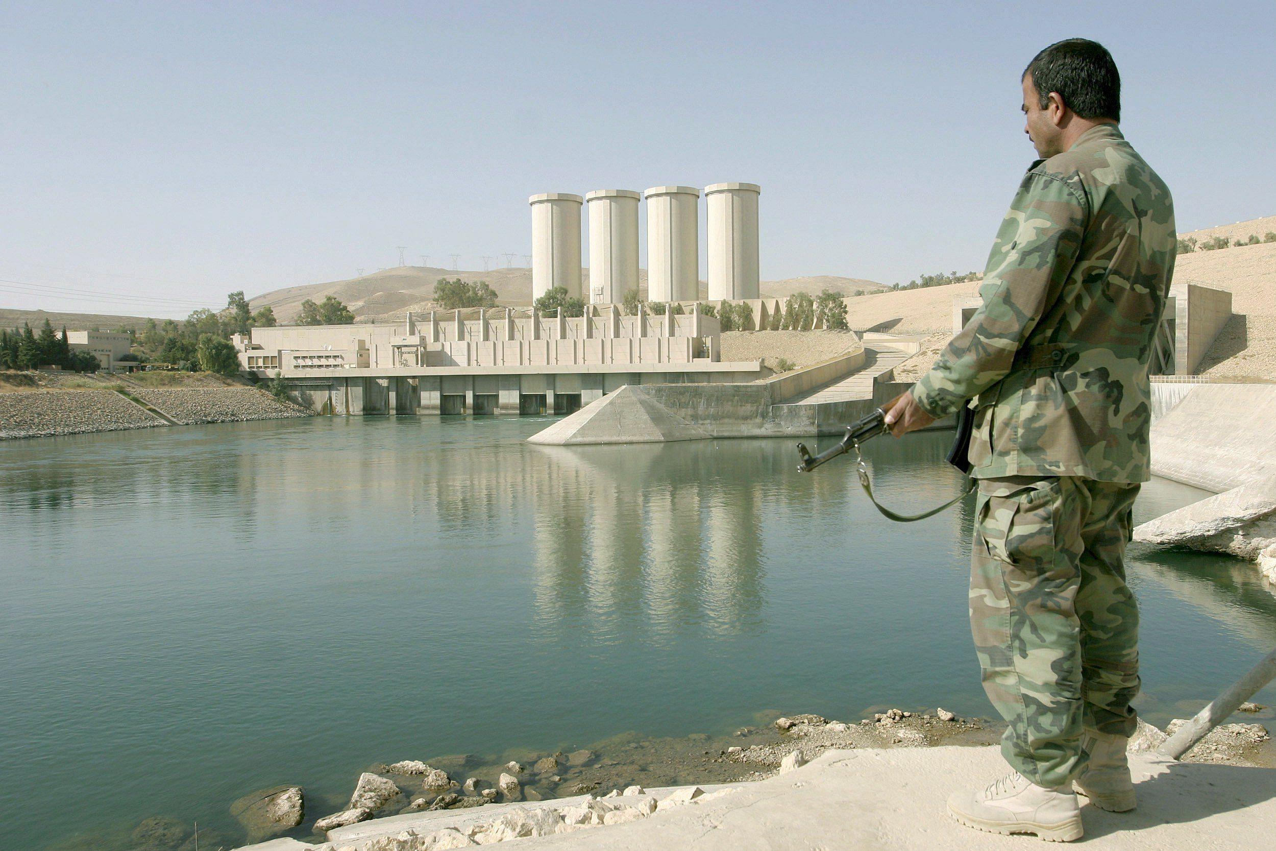 """L'Isis colpirà a Mosul diga e militari italiani"""