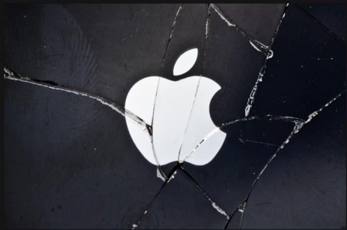 Il bluff del Centro Apple di Napoli: assunti solo due pupilli dei baroni