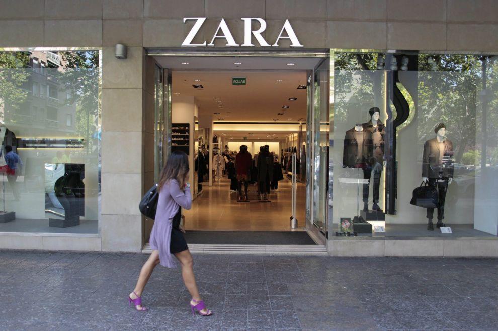 Trova un topo cucito nel vestito di Zara. La ragazza fa causa all'azienda