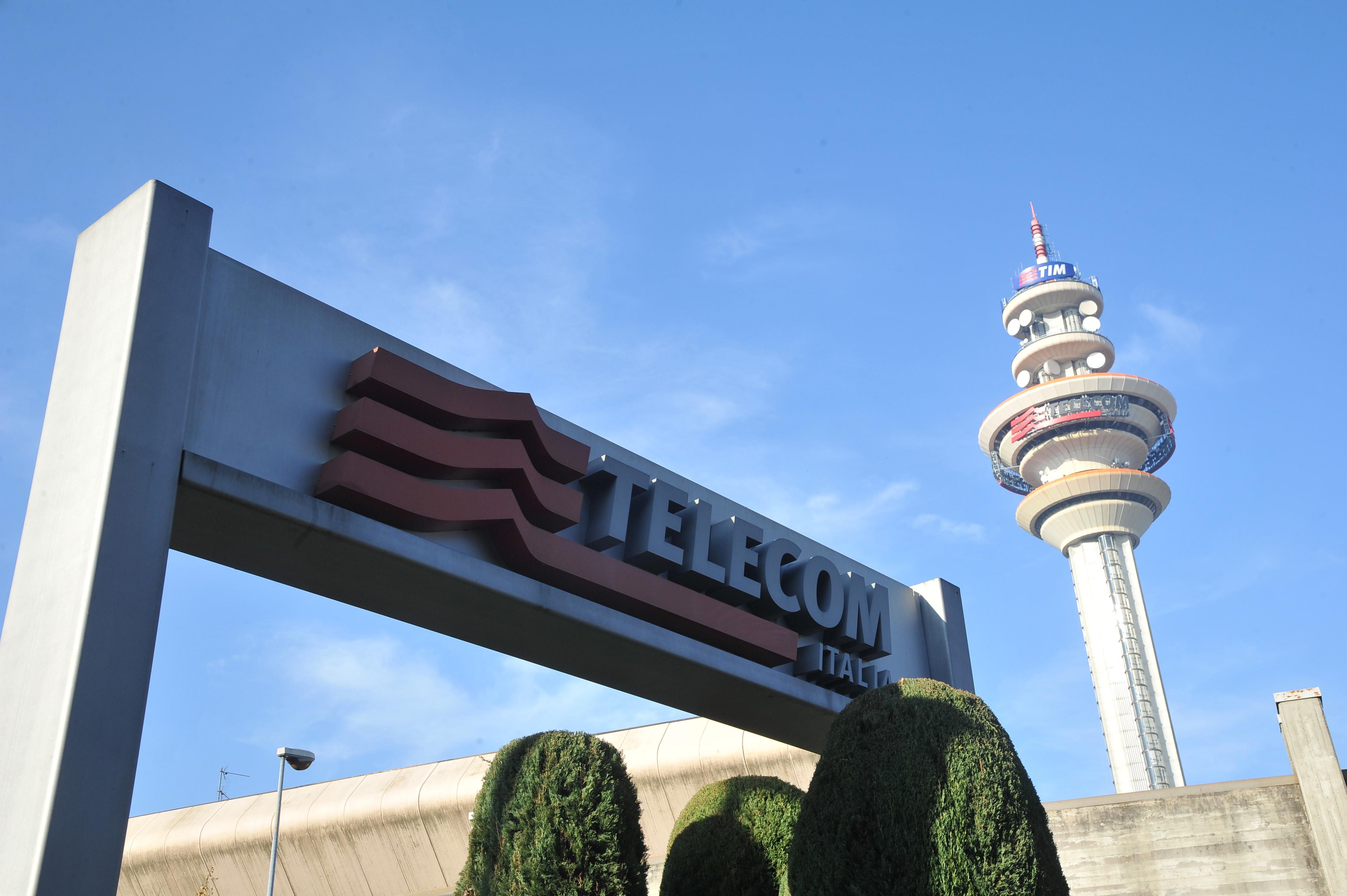 Telecom separa la rete e vola in Borsa