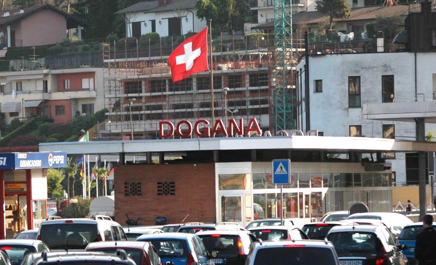 Spogliata e umiliata alla dogana svizzera - Dogana svizzera cosa si puo portare ...