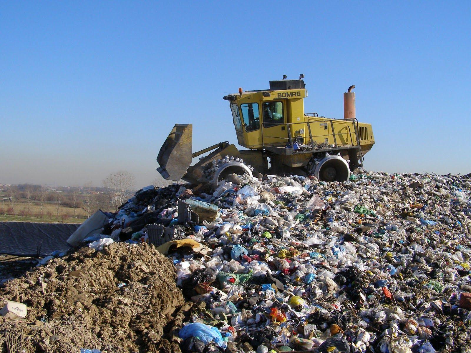 Risultati immagini per smaltimento rifiuti