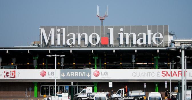 Aeroporto Milano Malpensa : Aereo atterra fuori pista chiuso l aeroporto di linate